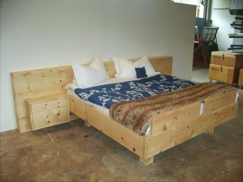 Tischlereiprodukt Zirbenholzbett