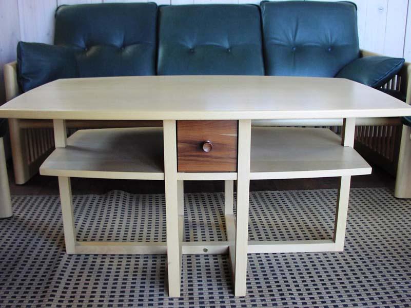 couchtisch modell k 6 griessner tischlerei ausstellungshaus neumarkt k chen raumdesign. Black Bedroom Furniture Sets. Home Design Ideas