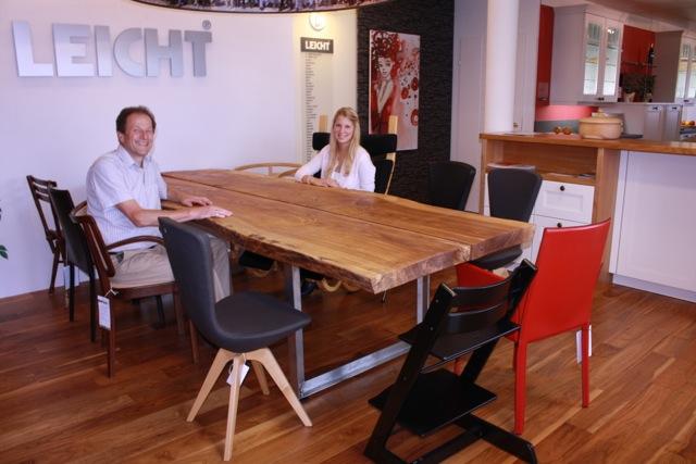 stammbaum tisch griessner tischlerei ausstellungshaus neumarkt k chen raumdesign. Black Bedroom Furniture Sets. Home Design Ideas