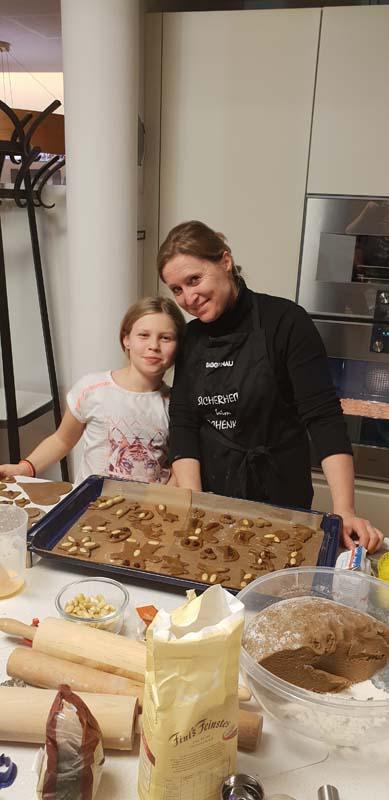 Kekse backen mit dem Verein Wir Andritzer im Küchen-Raumdesign Studio Griessner