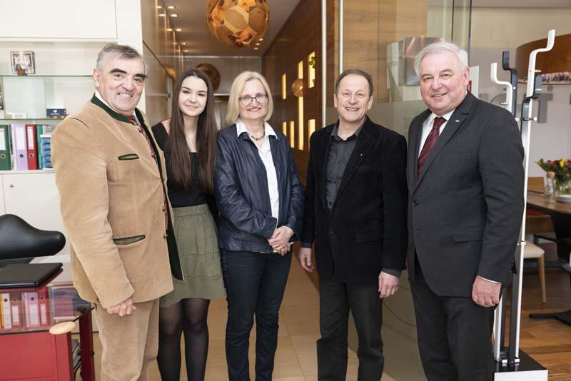 LH Schützenhöfer besucht Küchen-Raumdesign Studio Griessner in Graz