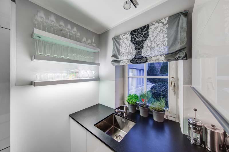 Planung und Montage von Küchen und Wohnraummöbeln